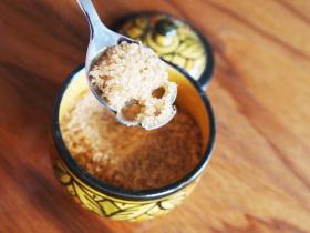 Фото: Оригинальная чайная ложка от «Hundred Million», в виде черепушки.
